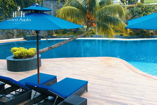 Grand Aquila Hotel Bandung - Kolam Renang