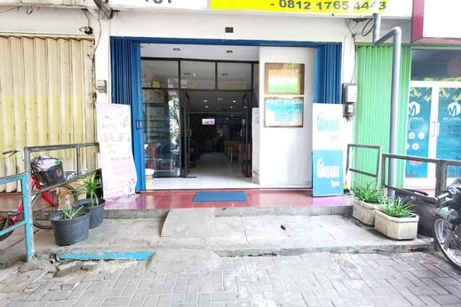 SPOT ON 90403 Gosepa Ngagel Surabaya - Facade