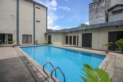 Airy Pangkal Pinang Kp Bintang Bangka - Pool