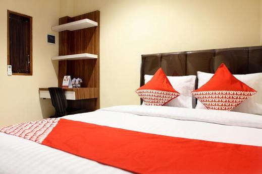 OYO 121 Rumah Ayub Syariah Near Rumah Sakit Jmc Jakarta - Bedroom