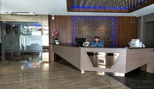 Octopuss Wellness Hotel Jambi - Lobby