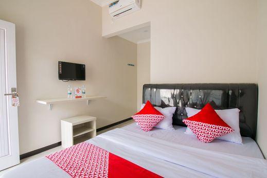 OYO 1078 Fakhira Residence Cianjur - Bedroom