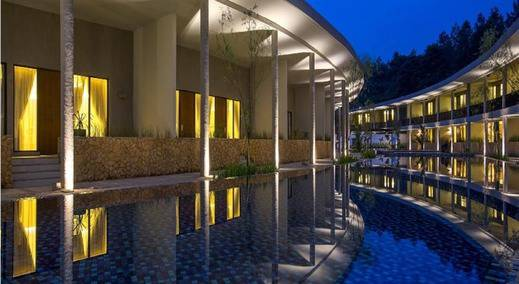 Hotel Neo+ Green Savana by ASTON Bogor - Pool