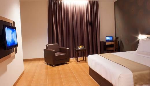 Komala Hotel Dumai - Deluxe Corner (3)