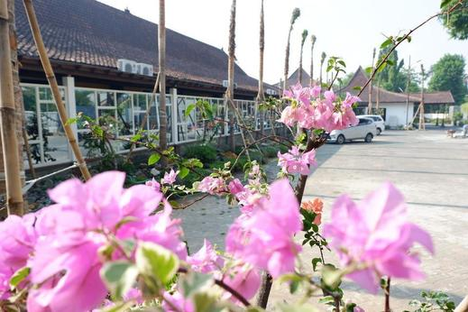 Ataya Hotel Solo - Exterior