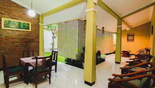 Griya Batik Giri Sekar Homestay Syariah Yogyakarta - Lounge A