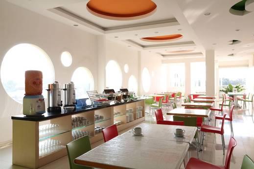 Dewarna Hotel Malang - Breakfast buffet