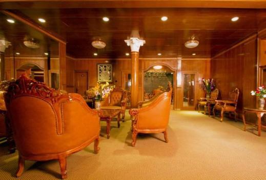 Dmonty Hotel Padang Syariah Padang - Interior