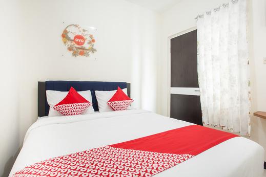 OYO 3350 Cozy Residence Malang - Bedroom