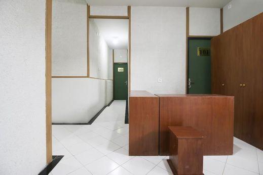 Kamar Pluit Jakarta - Facilities