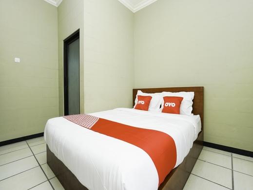 OYO 2493 Lotus Hotel Syariah Bojonegoro - Standard Double-7