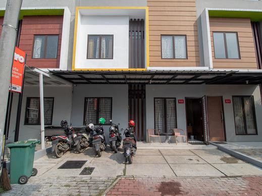 OYO 3253 Sofia Residence Syariah Karawang - Exterior