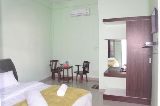 JS Hotel Balige Danau Toba - Bedroom