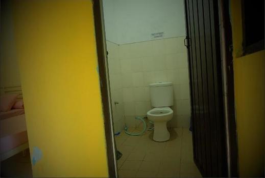 Wisata Pantai Bintang Galesong Takalar - Bathroom
