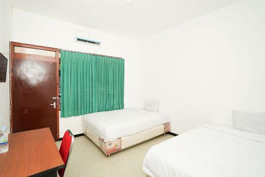Merapi Inn Syariah Surabaya - Bedroom S/T