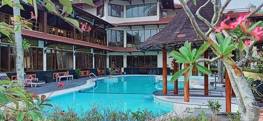Surya Transera Beach Hotel Pangandaran Pangandaran - Pool