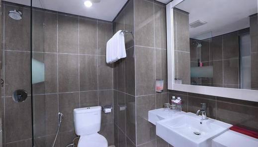 The Vasini Hotel Bali - Bathroom