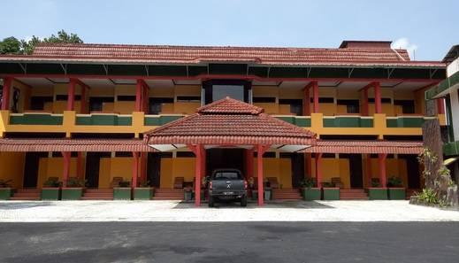 Hotel Borobudur Tasikmalaya - Exterior