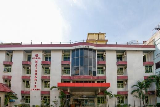 OYO 3435 Hotel Matahari 2 Syariah Jambi - Facade