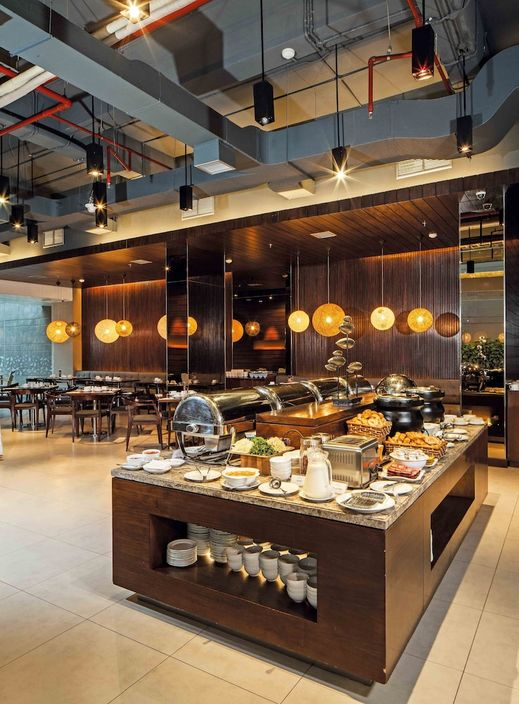Midtown Hotel Surabaya - Buffet