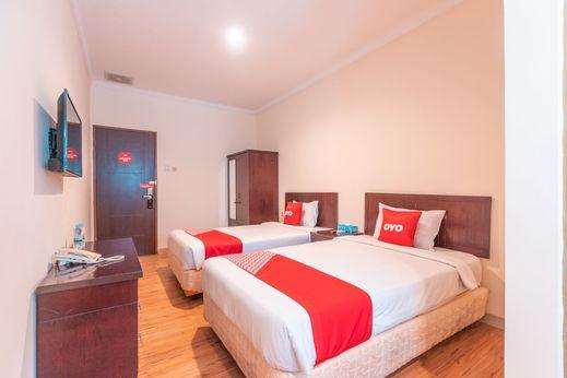 OYO Flagship 2131 Hotel Binong Near Rumah Sakit Aminah Tangerang - Bedroom