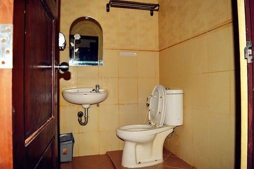 Lotus Hotel Pare-Pare - Bath Room