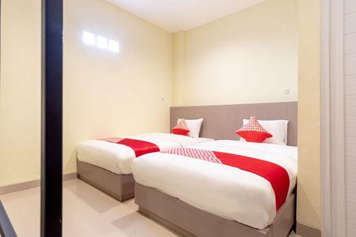 OYO 1185 Bukit Toejoeh Residence Syariah Medan - Bedroom S/T