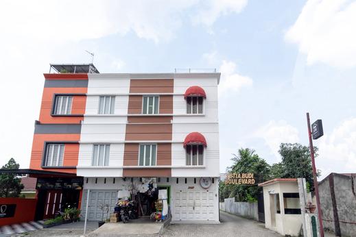 OYO 2560 VJ Living Syariah Medan - Facade