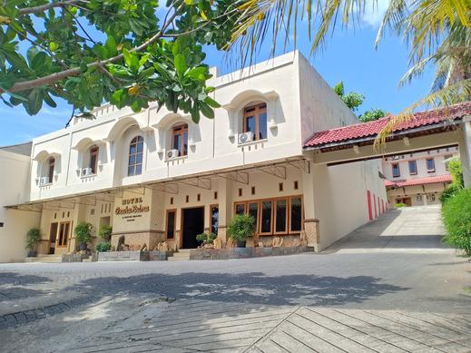 OYO 2643 Hotel Graha Prima Pacitan - Facade