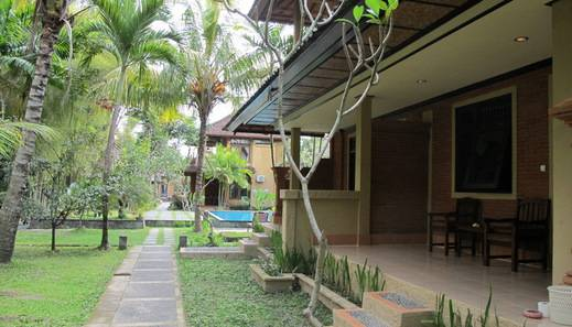 Puri Ulun Carik Bungalows Bali - Pemandangan Kamar Deluxe