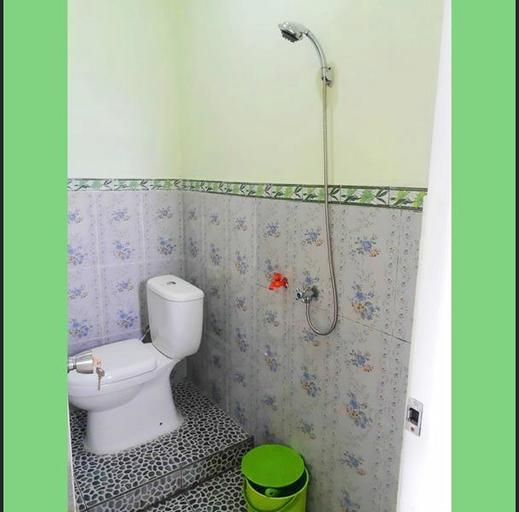 Homestay Blessing Kamaran Malang - Bathroom