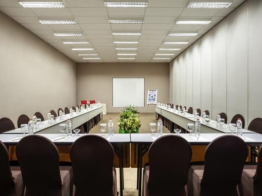 Sentral Cawang Hotel Jakarta - Meeting room