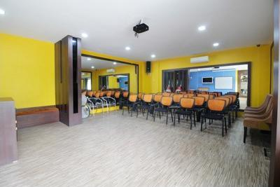 Airy Nagoya Raja Ali Batam - Meeting Room