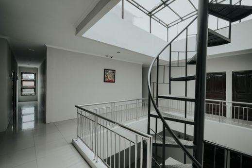 D'Paragon MT Haryono Semarang - interior
