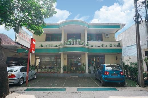 OYO 2539 Hotel Kurnia Bandung - Facade