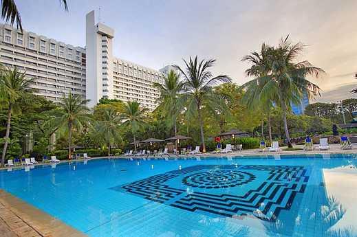 Hotel Borobudur Jakarta - Outdoor Pool