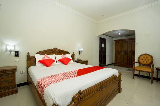 OYO 1005 Hotel Kumala Samarinda - Bedroom