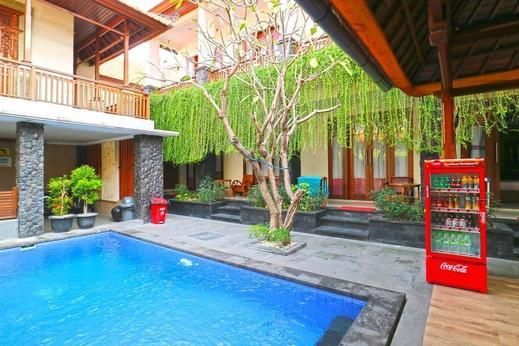 D'Astri Guest House Bali - Pool