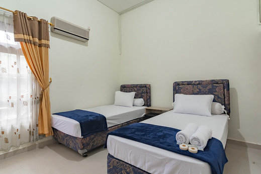 The Lima Guest House Syariah Cirebon - Photo