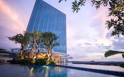 Nuanza Hotel & Convention Cikarang Bekasi - Pool