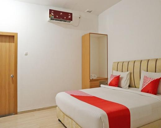OYO 1673 M Authentic Kost Man Padang - Bedroom De D