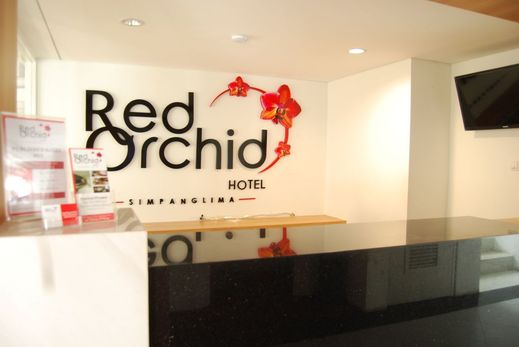 Red Orchid Simpang Lima Semarang - Reception