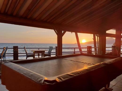 77 Sunset Plaza Hotel Sukabumi - Free Billiard at Restaurant