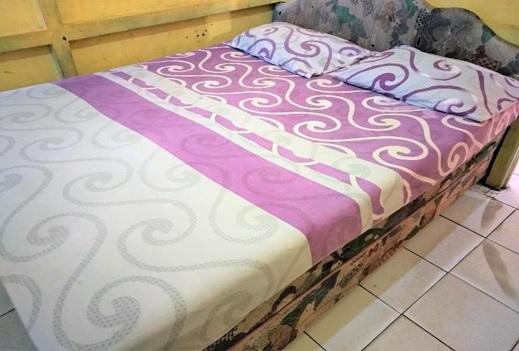 Losmen Mutiara Syariah Ketapang - Guest room