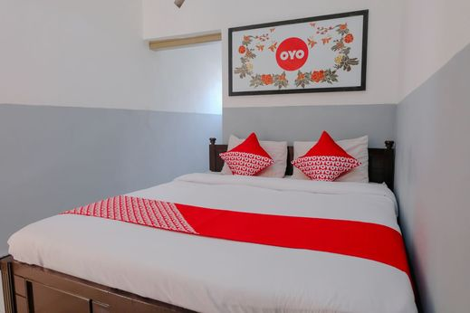OYO 1028 Garuda Residence Malang - Bedroom