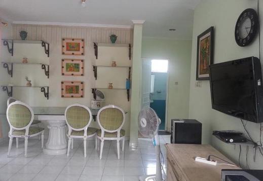 Villa Kota Bunga Tulip Cianjur - Interior