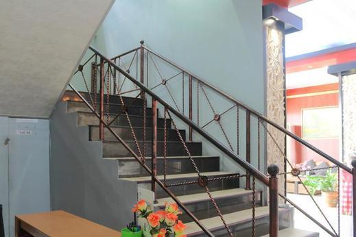 Airy Denpasar Utara Gatot Subroto Bedahulu Tujuh Bali - Stairs