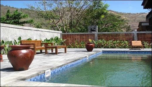 S Hotel & Restaurant Lombok - pool