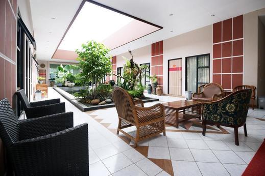 Airy Bandara Syamsudin Noor Angkasa 7 Banjarbaru Banjarbaru - Balcony