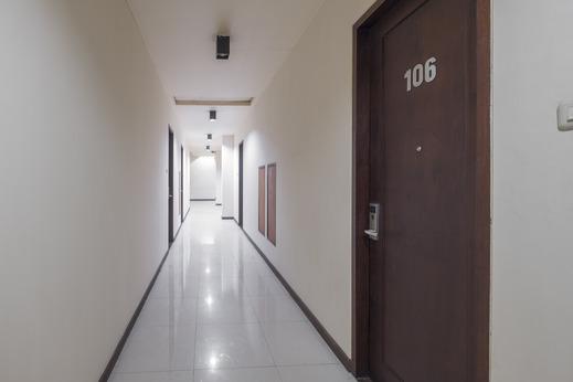 Hotel Agraha Makassar Makassar - Corridor
